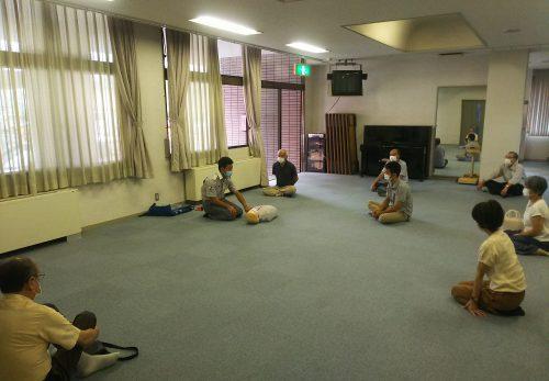 救急救命講習と消火訓練の講習を受けました。